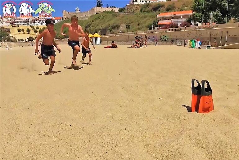 Jogos didáticos de praia. Aprender a brincar (foto: Resgate)