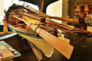 bote baleeiro, canoa baleeira, beetle whale boat, açores, são miguel,