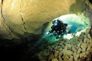 mergulhadores, tham luang, tailândia, salvamento, gruta, espeleo-mergulho