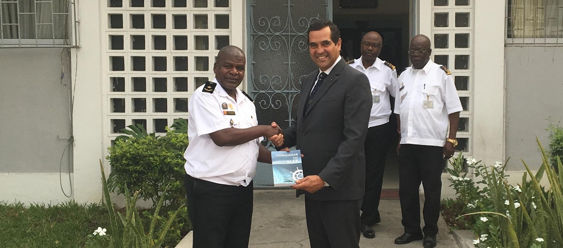 «Comandar no Mar» na Academia Naval Angolana