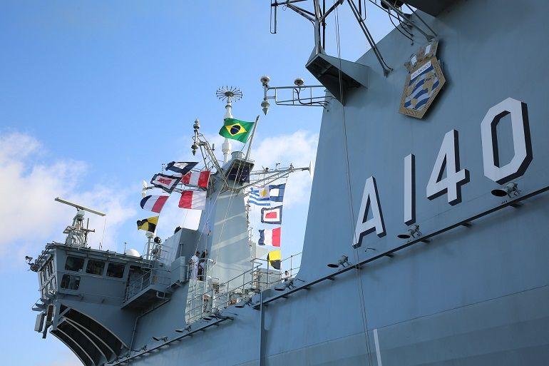 O PHM ATLÂNTICO é hoje o navio-capitânia, ou navio-almirante como designado em Portugal, da esquadra brasileira. (Foto Marinha do Brasil)