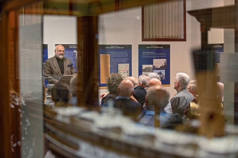 Uma das inúmeras palestras sobre cultura marítima (foto de James Holkko)