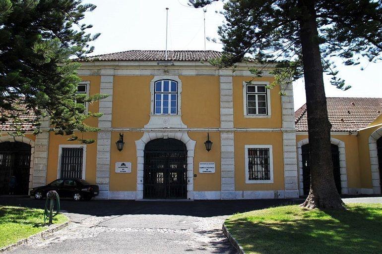 A ex-Fábrica Nacional de Cordoaria, local onde está instalada a atual sede da Confraria Marítima de Portugal – Liga Naval Portuguesa