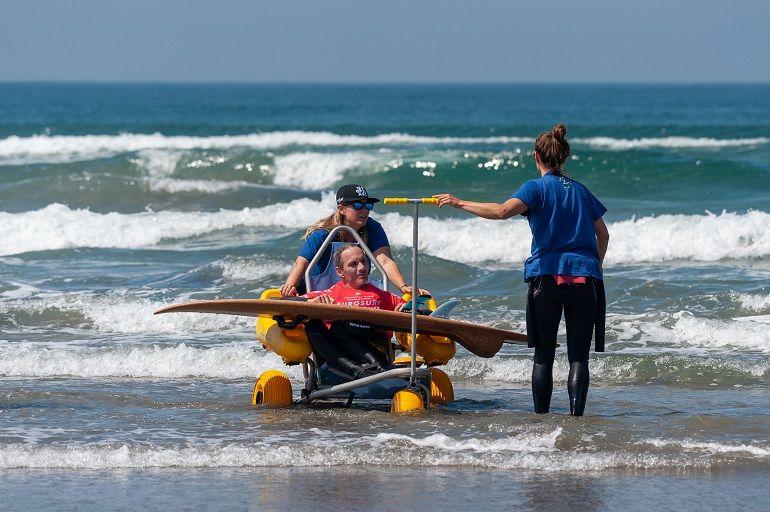Instantâneo das atividades na praia do Cabedelo.