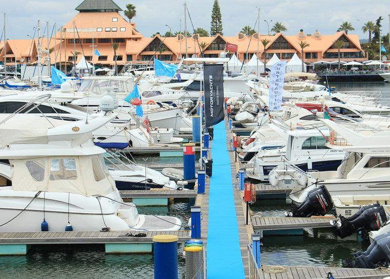 embarcações expostas no salão (foto IBS)