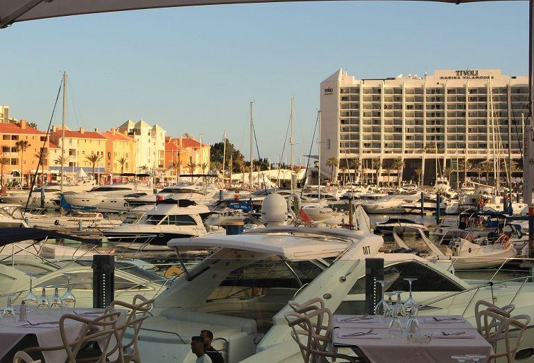 bonito panorama da marina de Vilamoura ao entardecer (foto IBS)