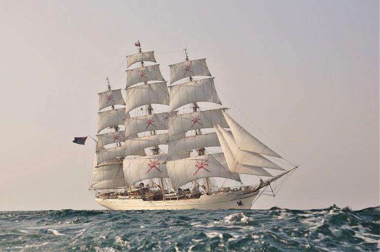 um grande veleiro pode ser usado como uma boa ferramenta de apoio à diplomacia e de promoção de um país e da sua cultura (foto gentilmente cedida pelo Comandante Ali Hosn)