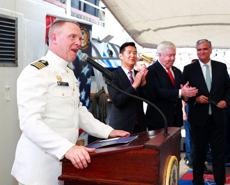 Por ocasião do Dia da Independência dos E.U. A., foi oferecida a bordo uma receção, tendo estado presentes o Presidente do Governo dos Açores, Vasco Cordeiro e o Embaixador dos EUA em Lisboa, George Glass.