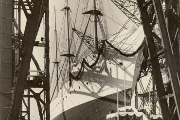 Imagem do HORST WESSEL, no dia do seu lançamento à água (foto de álbum de família do autor KzS R. Rossow, via Wikimedia commons)