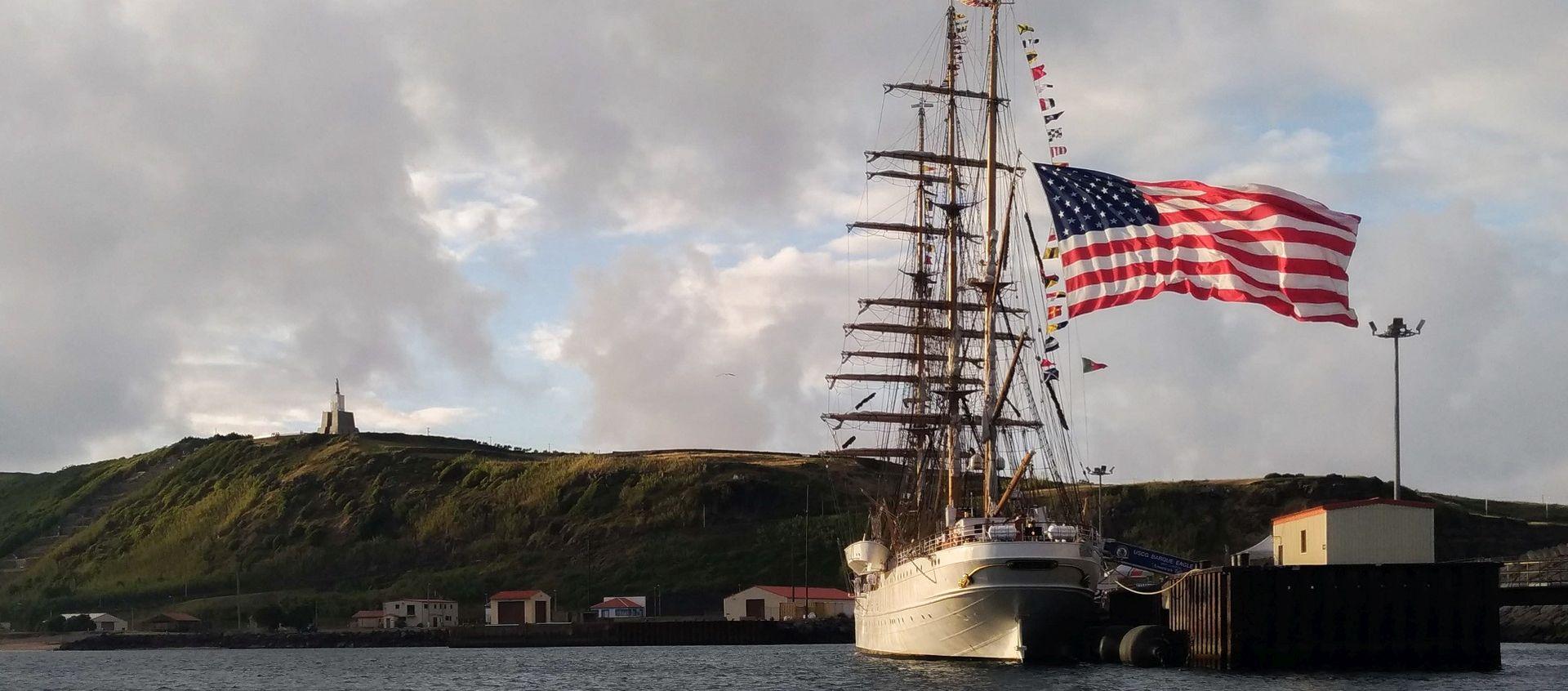 """A """"Águia"""" visitou os Açores"""
