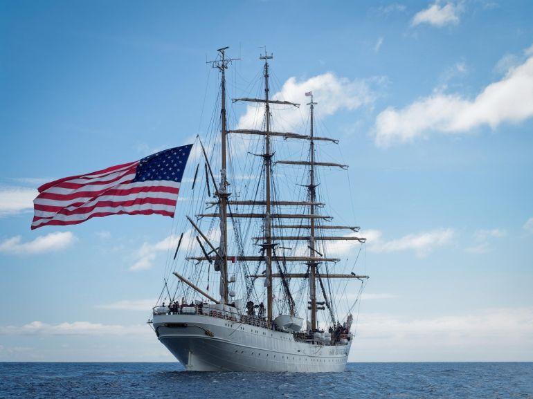 O EAGLE já a navegar rumo a Hamilton, Bermuda (foto Isidro Vieira)