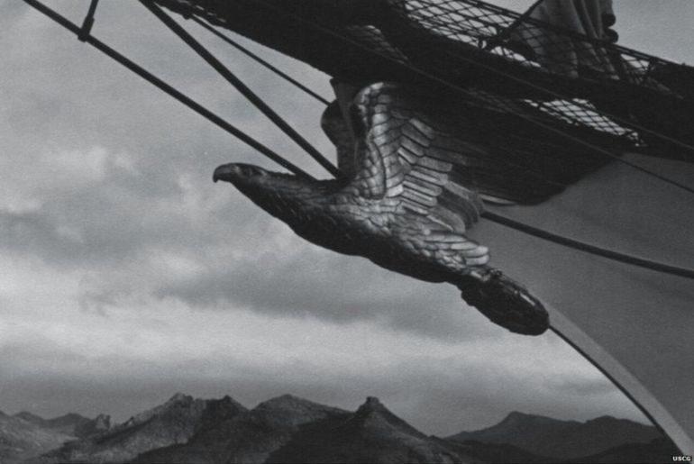 """A """"Parteiadler"""", a águia do partido NAZI, foi a figura de proa entre 1936 e 1976, encontrando-se hoje preservada no Museu da USCG."""