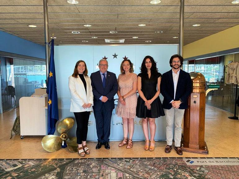 Foto por ocasião da assinatura do Protocolo com a Escola Europea (foto YSP)