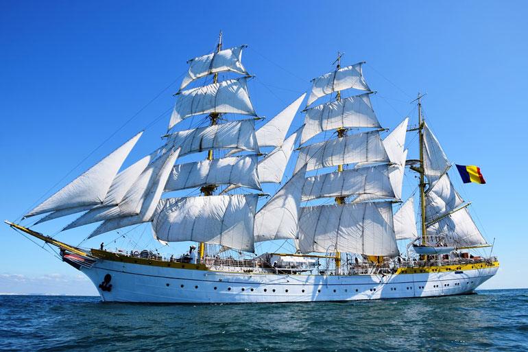 NS MIRCEA a navegar à vela com todo o pano (foto gentilmente cedida pelo NS MIRCEA).