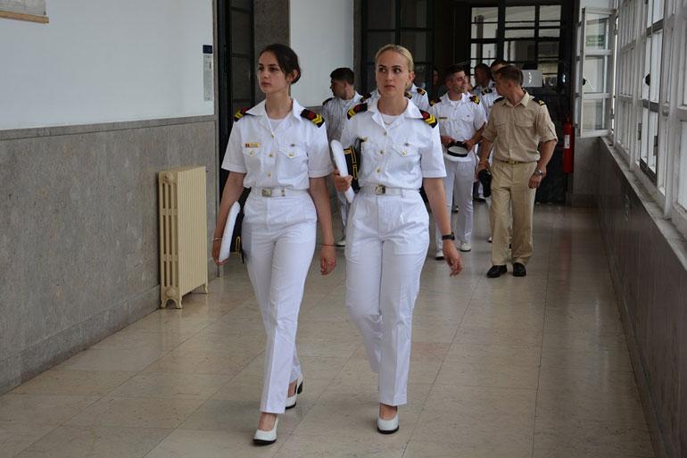 Delegação de cadetes embarcados no NS MIRCEA em visita à Escola Naval no Alfeite (foto gentilmente cedida pela Escola Naval).