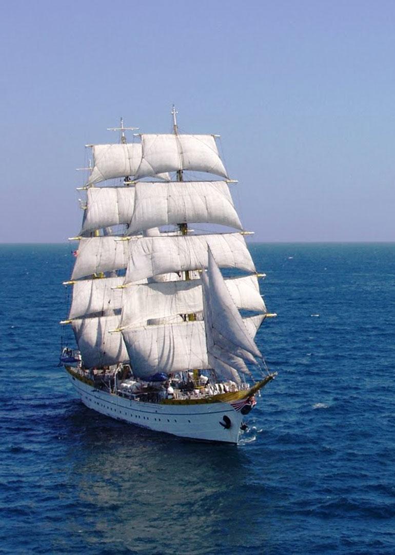 NS MIRCEA a navegar à vela (foto gentilmente cedida pelo NS MIRCEA).