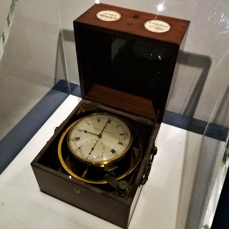 O maior tesouro do Museu Marítimo de Vancouver, o Arnold 176, um cronómetro náutico usado entre 1791 a 1795 pelo Comandante George Vancouver durante sua viagem de exploração no Pacífico