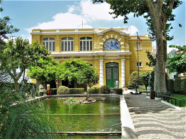 O aquário Vasco da Gama, em Algés (foto Vitor Oliveira, Flickr)
