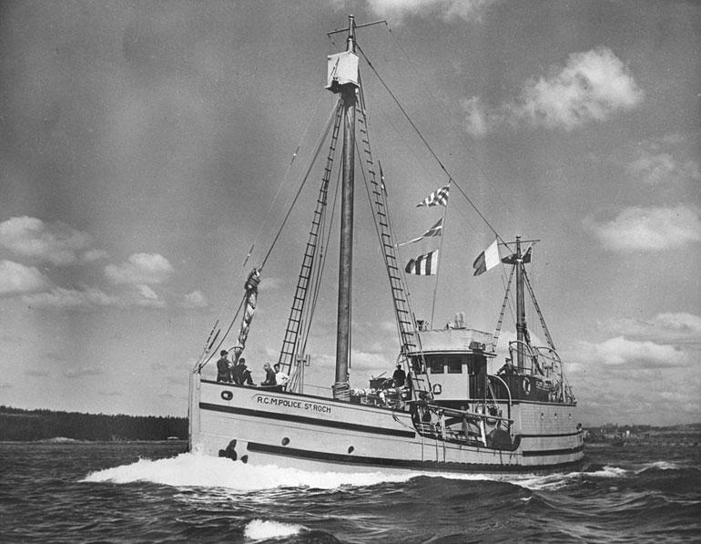O ST. ROCH a largar de Halifax, no Atlântico, em 25 de julho de 1944 (Arquivo Histórico do Canadá)