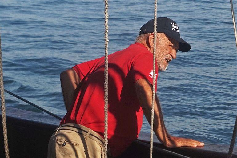 O capitão Zeca, que me recebeu a bordo.