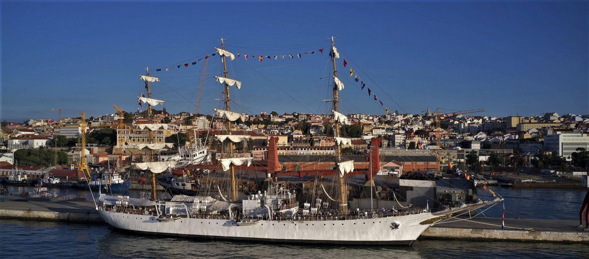 ARA LIBERTAD esteve cinco dias em Lisboa