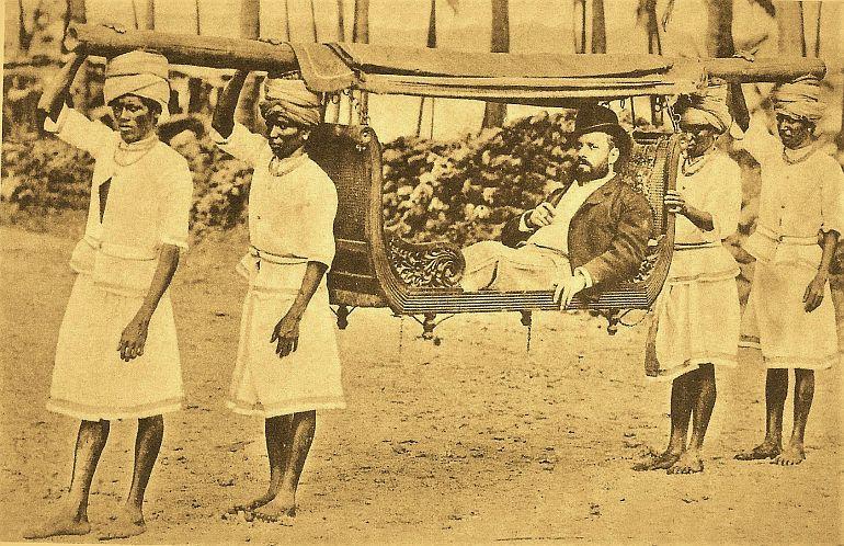 Dr. Adelino Fernandes Vaz na sua machila rasa (Bilhete postal, Índia Portuguesa, ed. Benjamim Sequeira, Nova Goa, 1890, via Facebook/ Revisitar Goa)