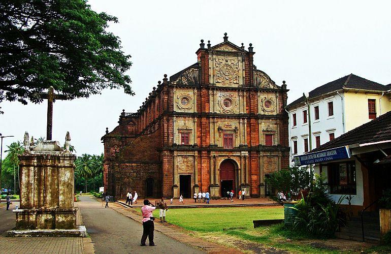 Basilica do Bom Jesus, 2013 (foto Bishnu Sarangi)