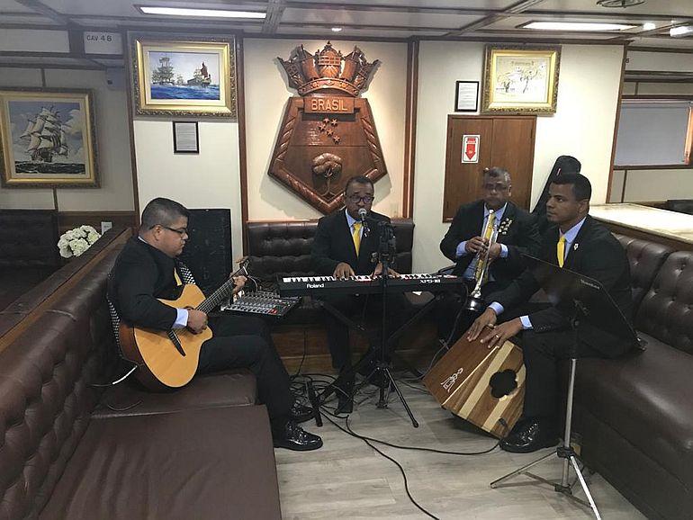 Conjunto Musical Fuzibossa - Banda dos Fuzileiros Navais da Marinha do Brasil (foto da autora)