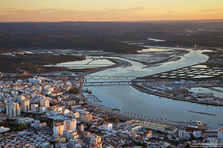 Bacia do Rio Arade (foto de Bruno Fonseca e Ramiro Spinedi - (foto de Bruno Fonseca e Ramiro Spinedi, Facebook - Portimão, você está aqui)