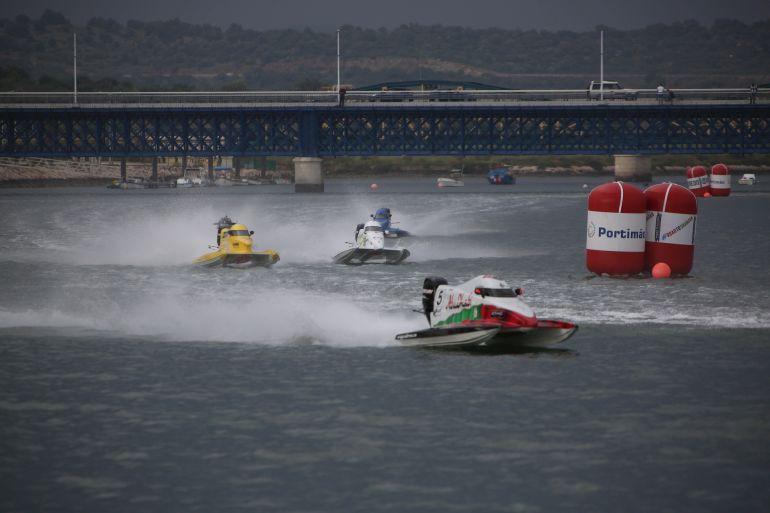 Uma prova do campeonato de F1 de motonáutica no Rio Arade (foto gentilmente cedida pela CM Portimão)