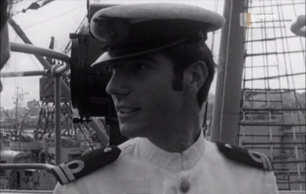 O autor, na época segundo-tenente, era o oficial navegador do navio (imagem arquivo RTP)