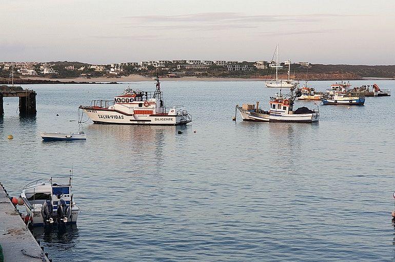 O porto de Baleeira, no Algarve, junto a Sagres, berço da nossa maritimidade (foto João Gonçalves)