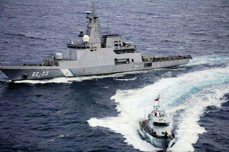 Navio de Vigilância Litoral AB NAIGUATÁ GC-23 em operações com o Navio Patrulha AB PAGALO PG-51, em 2015 (imagem da Armada Bolivariana)