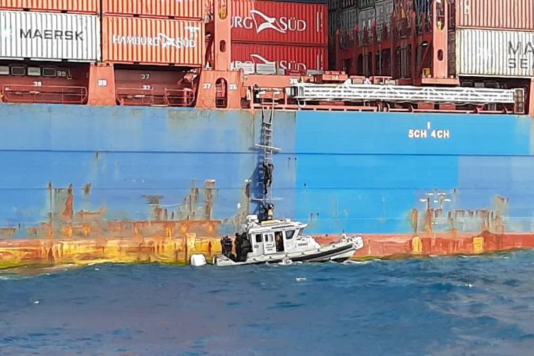 Tropas especiais nigerianas abordaram o navio no domingo à tarde mas os piratas e 8 tripiulantes já não estavam a bordo. (imagem Nigerian Navy)