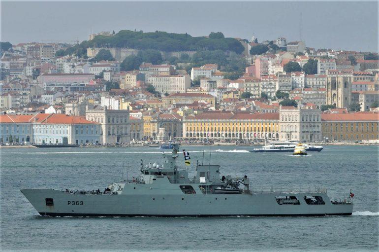 Uma lindíssima imagem do NRP SETÚBAL, a largar de Lisboa para mais uma missão SAR, dia 17 de Julho de 2019 (foto de Luis Miguel Correia)