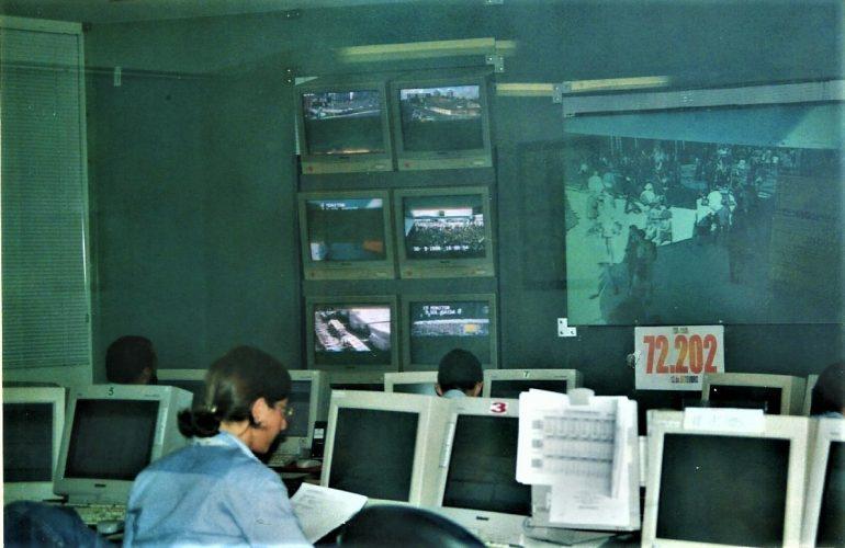 Há 22 anos sala de controlo. Neste dia as entradas já tinham ultrapassado os 72 mil visitantes!