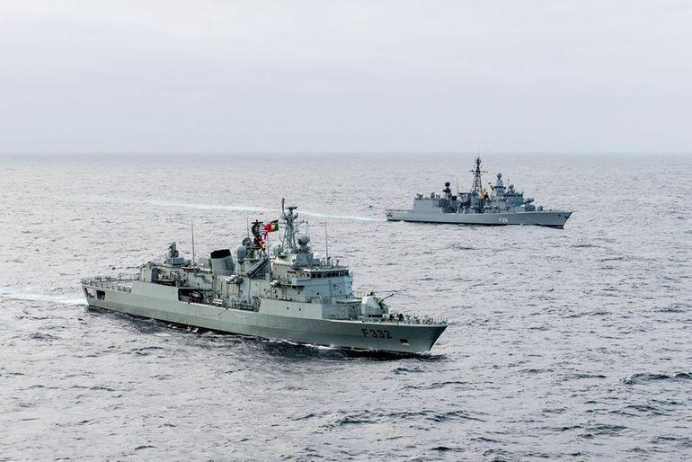 NRP CORTE REAL e FGS LUBECK escolta ao PA CHARLES DE GAULLE (imagem Marinha Portuguesa)