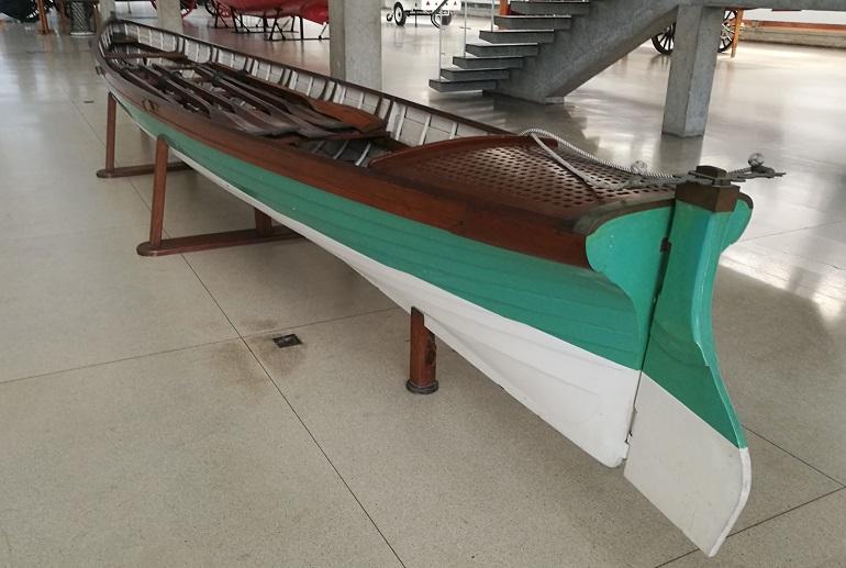 A GUIGA era uma embarcação de recreio de seis remos do início do século 20. É uma jóia ofuscada pela grandeza do Bergantim Real, por isso poucos são os que reparam nela. (imagem João Gonçalves)