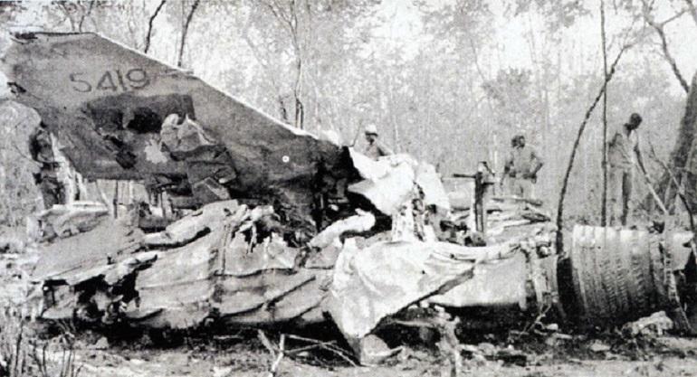 Destroços do avião Fiat G.91 R/4, nº5419, abatido por um míssil STRELA, em 1968, na Guiné Portuguesa.