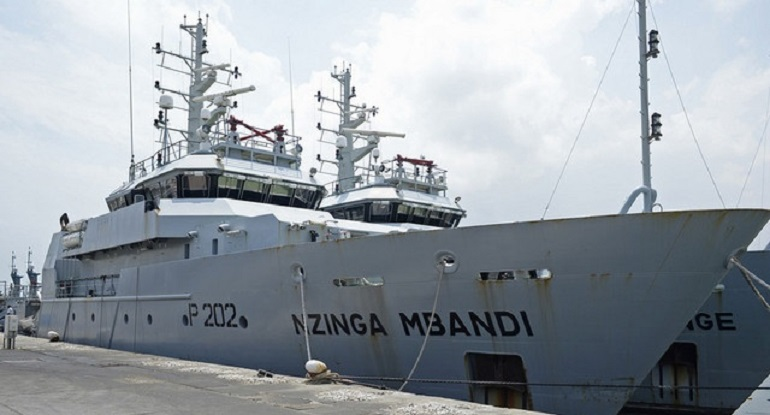 Os navios patrulha oceânicos NZING MBANDI e NGOLA KILUANGE, são a expressão do cumprimento das obrigações de proteção do seu Mar, pela República de Angola. (foto Rosário dos Santos)
