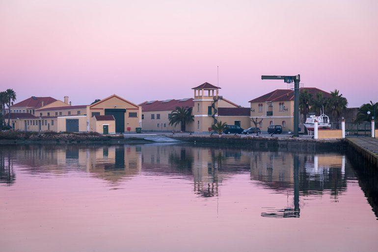 As instalações do Instituto Hidrográfico da Azinheira, na margem Sul do rio Tejo. (imagem IH)