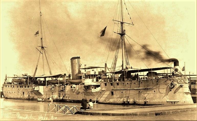 O cruzador S. GABRIEL atracado em Honolulu, a 11 de maio de 1910 (imagem do Cmdt. Pinto Basto)