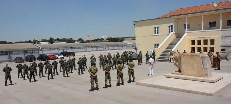 """Imagem da Praça """"cmg fze Rebordão de Brito"""" durante a recente cerimónia de graduação dos alunos fuzileiros (imagem MGP)"""