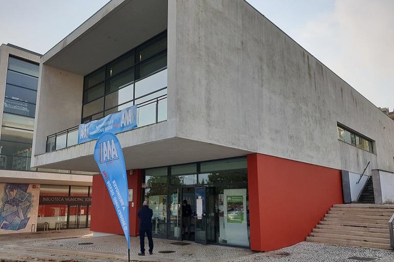 O edifício do Centro Cívico do Feijó, onde se realizou a exposição (imagem João Gonçalves)