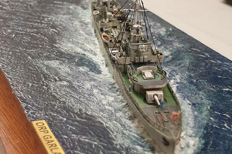 Uma fotografia Macro, que revela os fabulosos pormenores do diorama do ORP GARLAND, de João Mota (imagem João Gonçalves)