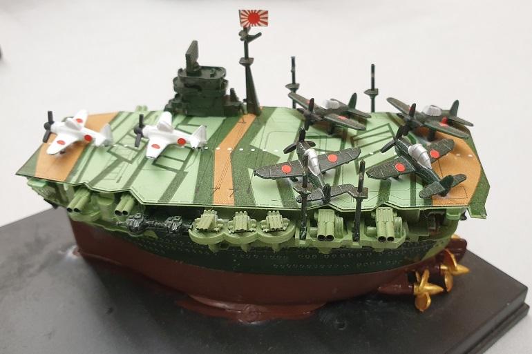 Este modelo Toons (caricatura) de Simão Santos, venceu o galardão Melhor Modelo Júnior. O porta-aviões Japonês IJN ZUIKAKU participou no ataque a Pearl Harbour, em dezembro de 1941 e terminou os seus dias na batalha de Leith Gulf, em outubro de 1944 (imagem João Gonçalves)