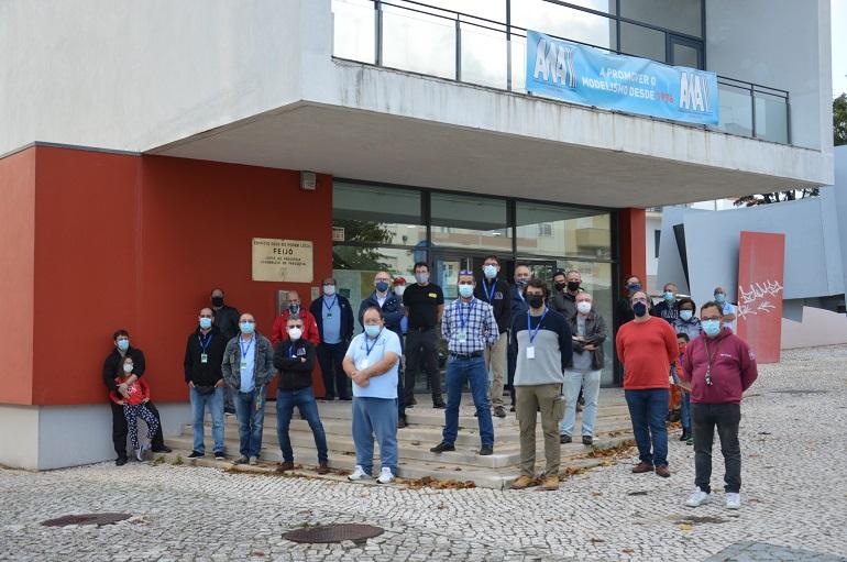 Antes do encerramento, organizadores e participantes tiraram a foto de grupo (imagem cedida por Rui Sá Gomes)