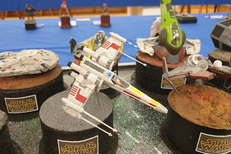 """Uma coleção de """"navios das estrelas"""" (starships) da saga Star Wars figurava pelo tema especial da exposição (imagem João Gonçalves)"""