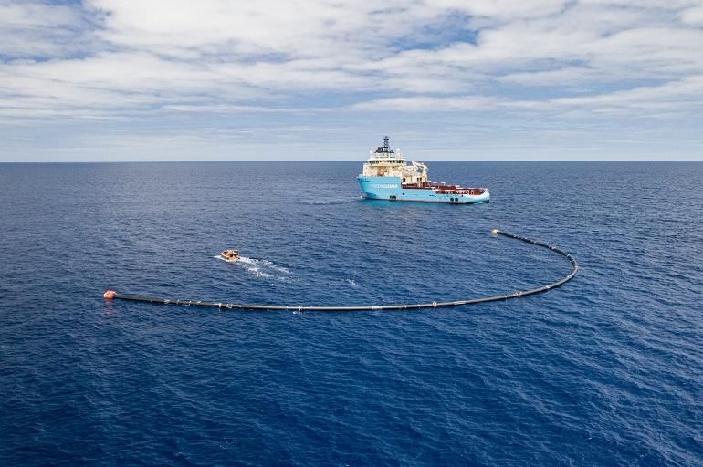 Ocean Cleanup é uma organização sem fins lucrativos que ambiciona remover 90% do plástico dos oceanos (imagem Ocean Cleanup)