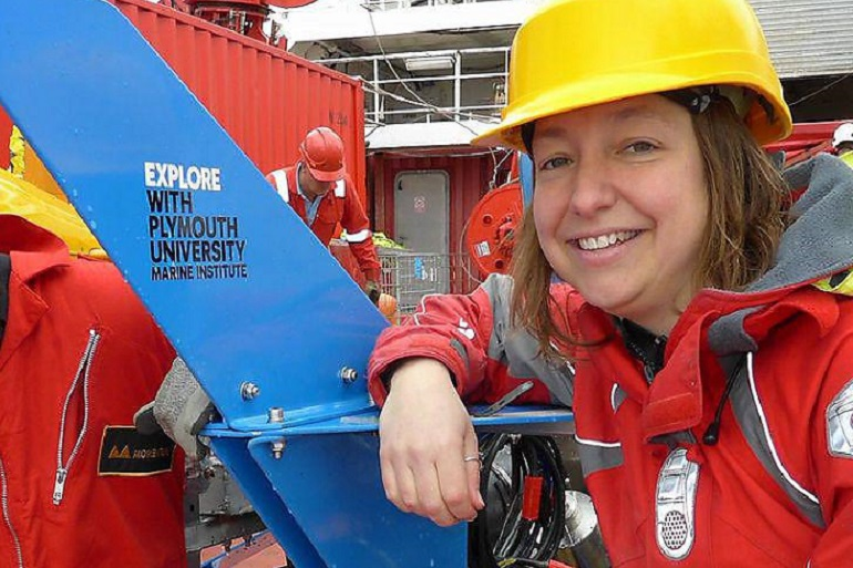 Kerry Howell, investigadora na Universidade de Plymouth (Reino Unido) e especialista em Ecologia do Mar Profundo, é coordenadora da Challenger 150 a par com Ana Hilário. (imagem Plymouth University)